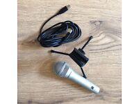 Samson Q1U Dynamic USB Microphone + tripod stand