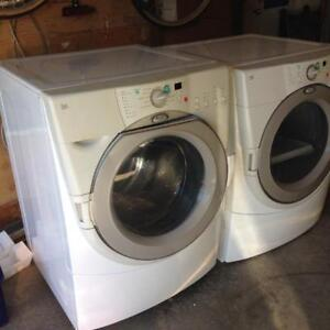 Whirlpool large laveuse et sécheuse frontale load washer & dryer