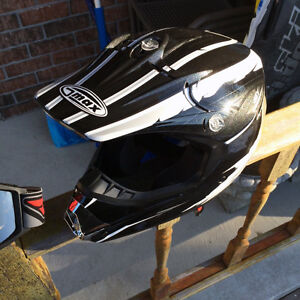 GMAX 46Y - Youth MotoCross style Helmet (Small) - Like new