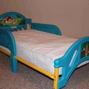 Diego toddler bed with mattress