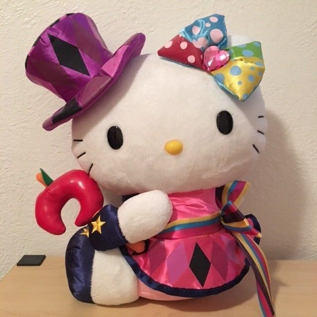 Hello Kitty - HELLO KITTY 40TH WONDERLAND PLUSH DOLL