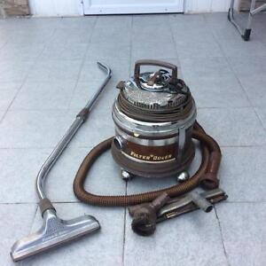 NEED A VACUUM FOR PARTS