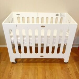 Bloom Alma mini crib.  Excellent for small spaces.