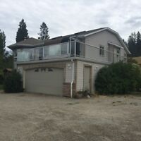House for Sale in Oyama on 1 Acre