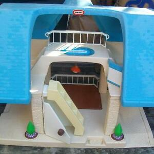 little tikes dollhouse blue and white
