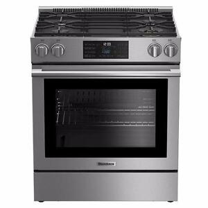 30'' Blomberg Gas Range, Stainless, Convection, Self-cleaning