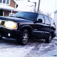 1998 GMC Envoy AS IS NEEDS SOME REPAIR MAKE OFFER