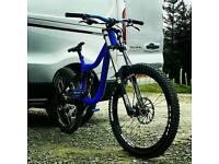 Kona Park Operator Downhill/freeride bike