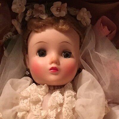 Gorgeous Vintage Madame Alexander ELISE NO NECK BRIDE in Original Box