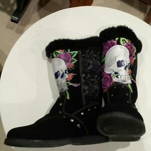 NEW ED HARDY BOOTS SIZE 10