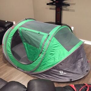 OUTBOUND 2 PERSON POP UPTENT $40.00