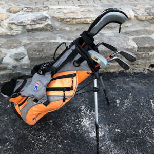 Kids Golf Clubs and Carry Bag - Right Handed