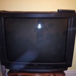 """FREE! JVC tube  27"""" TV - for parts"""