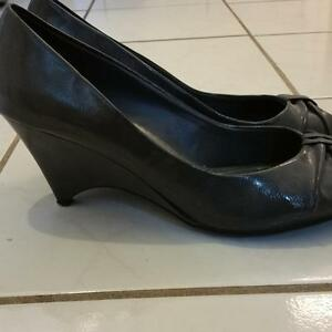 Spring cleaning! Women's size 12 Pumps grey