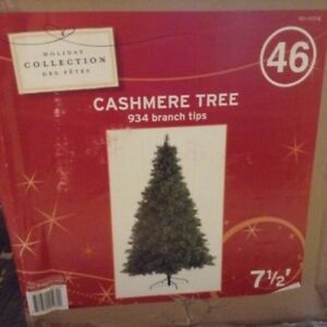 7.5' Cashmere Christmas Tree - Great price