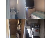 One bedroom studio flat inclusive of all bills- ideal for JLR/[postgraduate student