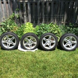 "Complete set of 16"" Mercedes Rims with Low profile mounted tires"