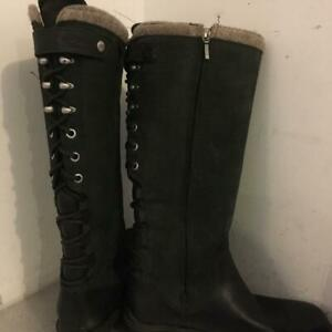 UGG WOMENS  BOOTS size 9.5