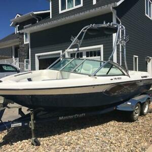 2003 Mastercraft X-Star Surf Boat