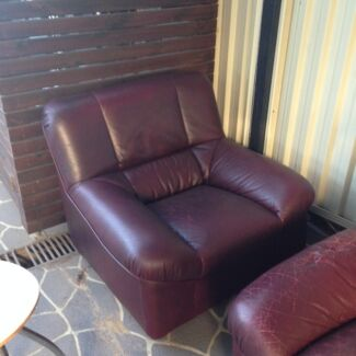 Free! - King Lounge and matching armchair Oatley Hurstville Area Preview
