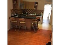 Spacious One bedroom flat, 5 mins walking to Watford Junc station and 8 mins to town centre
