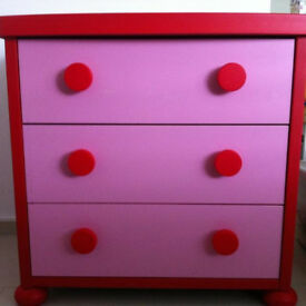 Ikea Mammut 3 drawer chest of drawers.