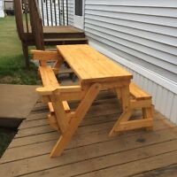 Combo picnic table/bench