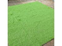 Artificial grass rollend