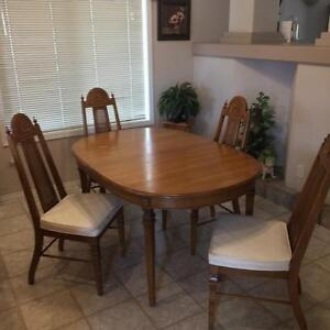 Dining room table and other furniture for sale
