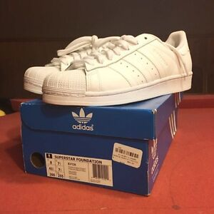 REDUCED PRICE: ADIDAS SUPERSTAR SIZE 7.5