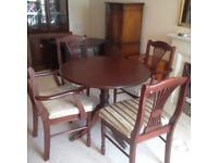 £50 ovno Reproduction Mahagony Dining Table and 4 Chairs incl. 2 Carver chairs £50 IMMACULATE