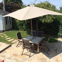 ENSEMBLE DE PATIO EN TECK (VALEUR 3 000$)