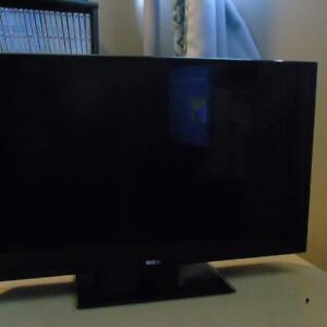 32 INCH RCA TV FOR SALE