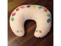 Widgey Donut Feeding Pillow