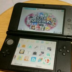 MINT Condition Nintendo 3DS XL + 32gb + Games