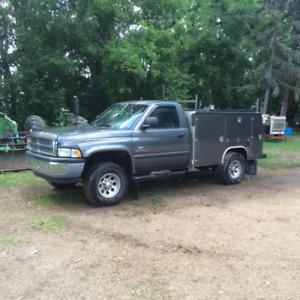 For Sale 2002 Dodge 2500 4wd mechanics truck