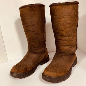 *UGG - taille 8 US - bottes pour  femme*