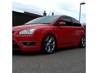 Red Ford Focus st st3 2.5 turbo