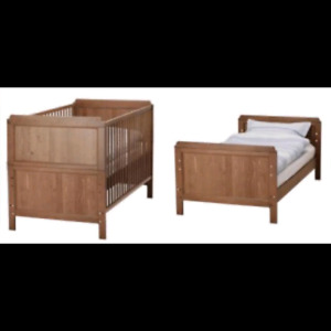 Lesvik Crib with covertion to toddler bed kit