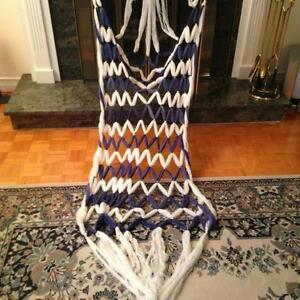 BLUE AND WHITE COLOUR SILK WOUNDED HAMMOCK