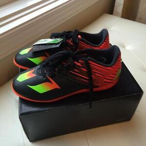 Messi 15.3 (Adidas) Kids Indoor Soccer Shoes, Size 1,  Brand New