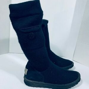UGG - AUTHENTIC - woman boots size 9 or 40