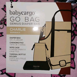 Diaper bag with accesories