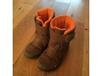 Child's winter boots - size 12