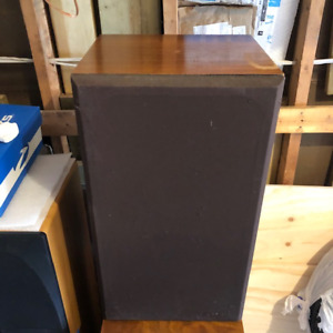 $35.00  Tower SPEAKERS, Realistic, Going Cheap - need the space,