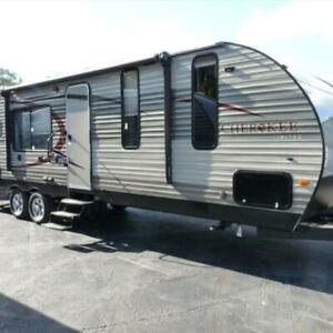 ROULOTTE CAMPER CHEROKEE 27 FT 2015 FOREST RIVER - LIKE NEW!