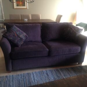 Urban barn buy or sell a couch or futon in calgary for Sofa bed kijiji calgary