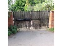 PARKING SPACE ONLY! ***LEAMINGTON SPA*** Secure and Well Lit, Gated Parking Spaces (3568)