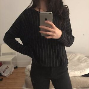 NEW ICÔNE Simons Black Pullover Slightly Cropped Sweater
