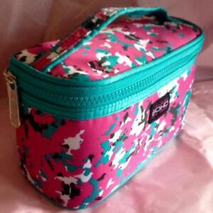 COSMETIC TRAVEL BAG$5 RETAIL$16.99 PLUS TAX BRAND NEW!!